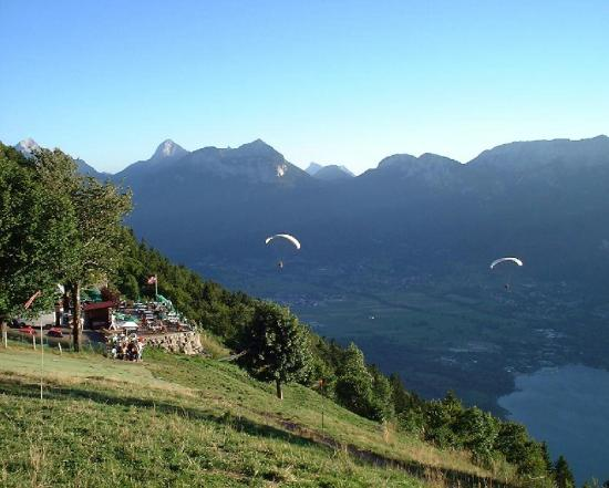 Evening tandem flights, Col De Forclaz, Annecy (Summer 2000)